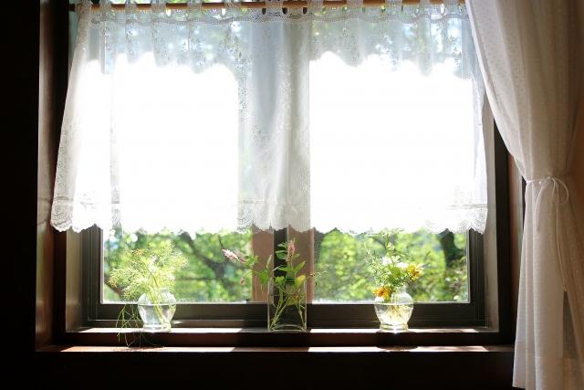 カーテンの洗濯頻度やしわにならない洗い方のポイント
