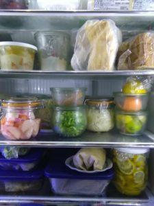 意外な冷蔵庫に入れてはいけない食べ物とその理由